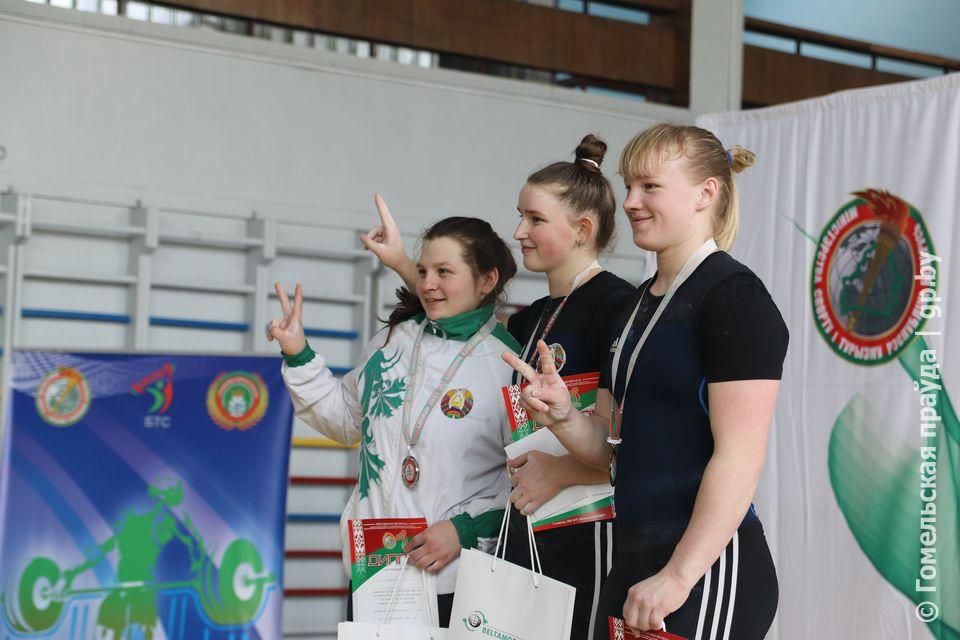 В Гомеле прошел Кубок Беларуси по тяжелой атлетике среди мужчин и женщин