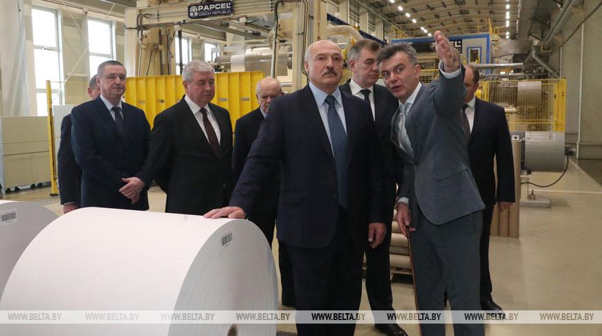 «Срочно всем скажите — едет Президент!» — Лукашенко неожиданно изменил план поездки в Шклов
