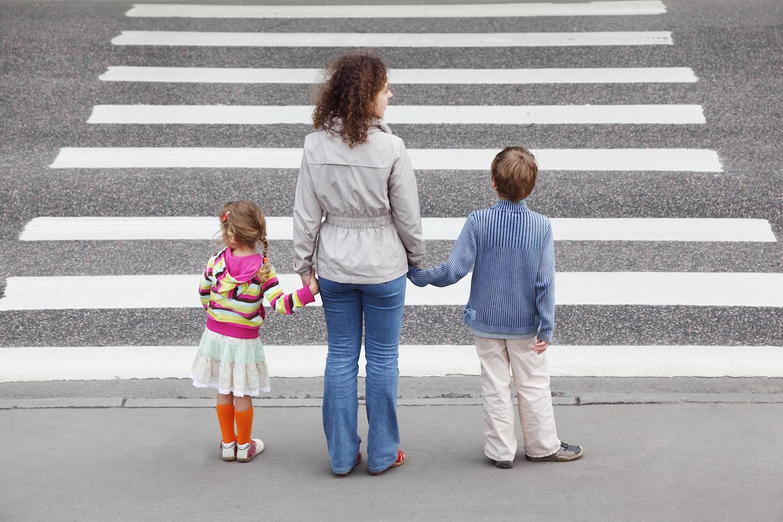 картинка переход с маленькими детьми если