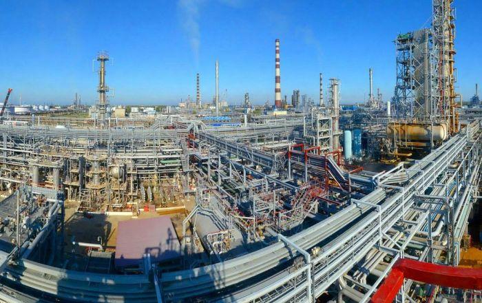 Заявки на поставку нефти на НПЗ Беларуси в апреле поданы на около 1 млн т